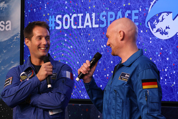 Echte Astronauten anfassen auf dem #socialspace