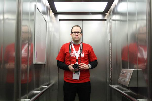 Das ich im Aufzug des betahauses, in schon leicht angeschlagenem Zustand auf dem Startup Weekend Cologne.
